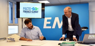 Signature du pacte Finance - climat